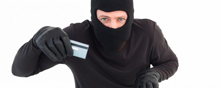 Všední nástrahy internetu: krádež identity a kyberšikana
