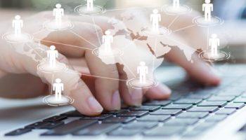 Infografika: Digitální nástroje pro týmovou komunikaci a správu úkolů