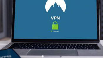Dejte pozor na veřejné WiFi i dobíječky mobilních telefonů